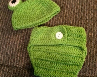 Infant Frog Hat and Diaper Cover