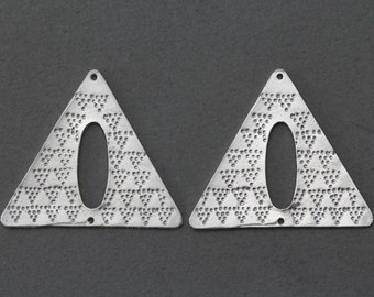 Triangle Pewter Connector . Jewelry Craft Supply . Matte Original Rhodium Plated over Pewter  / 2 Pcs - FC173-MR