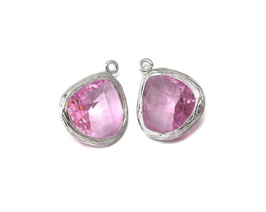 10 % de de de réduction (10 pièces). Pendentif en verre rose.  Fourniture en gros de bijoux. Poli rhodié Original sur laiton - PR-CG004-PK b7c6f6