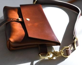 The Bogotá - Hip Bag, Fanny Pack, Belt Bag in Oxblood Horween Leather
