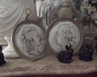 2 frames in linen Marie Antoinette and Louis XVI