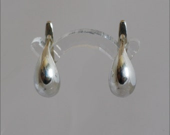 Lever back style solid gold minimalist classic dainty earrings, made in Israel.