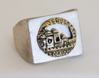 Men silver signet ring with gold Old Sity Jerusalem Bas relief.