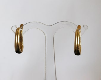Solid gold minimalist lever back style classic dainty earrings, made in Israel.