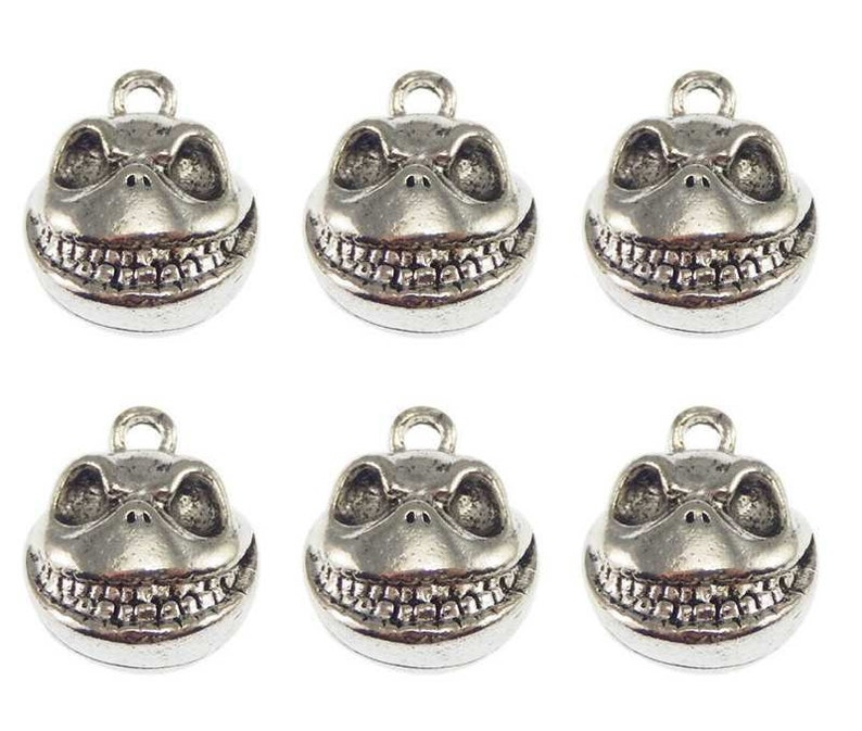 20 TIBETAN SILVER HEART SPACER BEADS CHARMS 10mm TS92
