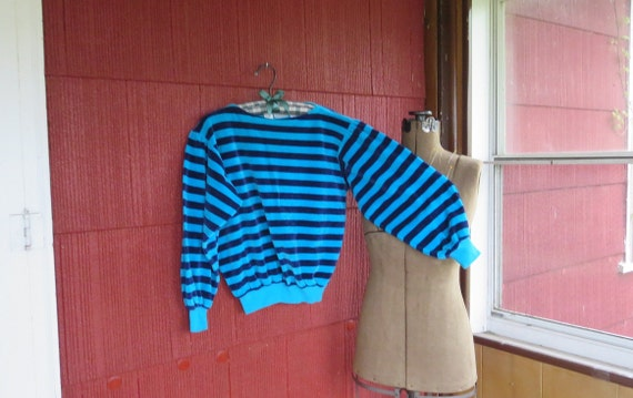 Vintage 1970s Velour top sweater light dark blue s
