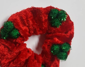 PetNaments Christmas Neckwear Elasticized Velour and Pompom Harlequin Collar Red and Green Christmas Cat and Dog Neckwear Xsmall and Small