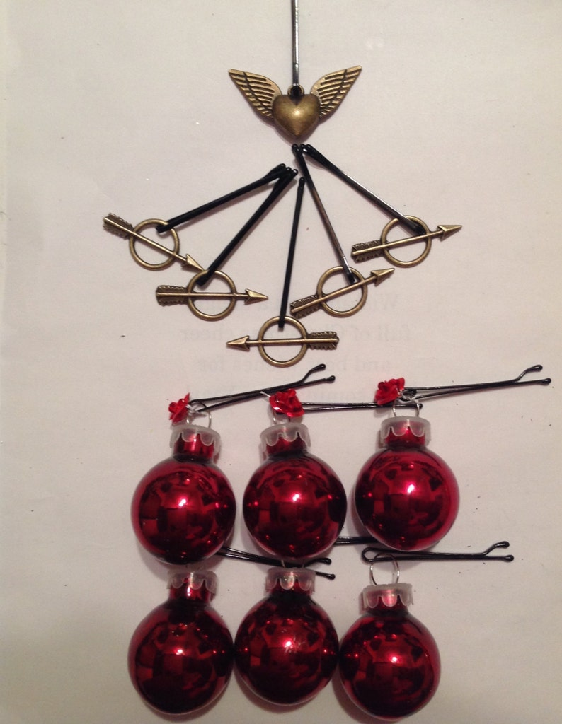 Beard Art Baubles Valentine/'s Day Deluxe Glass Baubles and Metal Roses and Arrows Hipster Gift set of 12