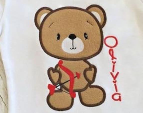 Bear with Bow and Arrow Appliqué embroidery Design - Valentines day appliqué design - Valentine appliqué design
