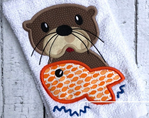 Otter with fish appliqué embroidery design - otter appliqué design - fish appliqué design - ocean appliqué design - beach appliqué design