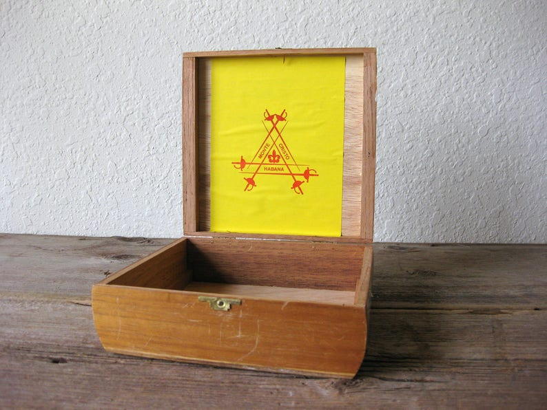 Vintage Wood Monte Cristo Cigar Box Wood Cigar Box Wood Box  d16df98383c69