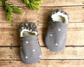 Grey + White Triangles Baby Moccasins - Arrow Soft Sole Toddler Shoes - Grey Triange Crib Shoe Slipper - Neutral Baby Shower Gift - Newborn