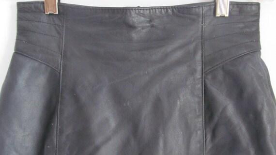 80s High Waist Skirt Fitting Black Leather Skirt … - image 2