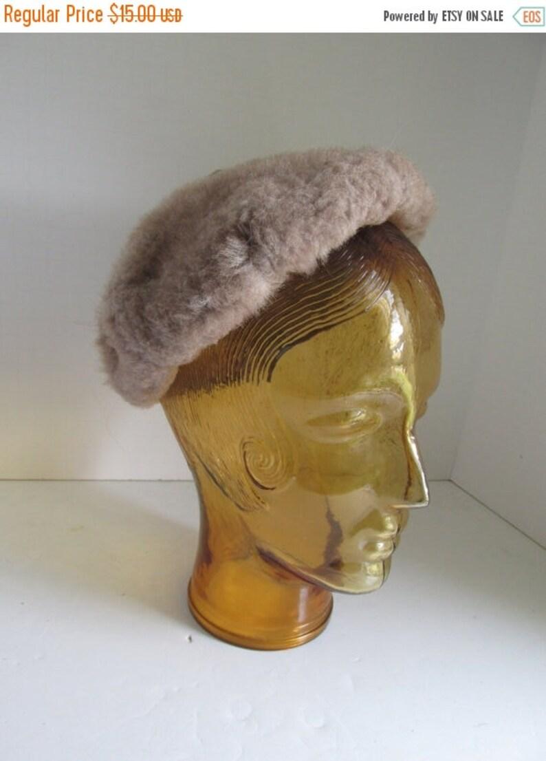 Vintage Hat 1940s Faux Fur Beret Hat 1940s Apparel Brown Faux fur Hat Beige hat Art Deco womens Hats Vintage womens hats Trending on Etsy