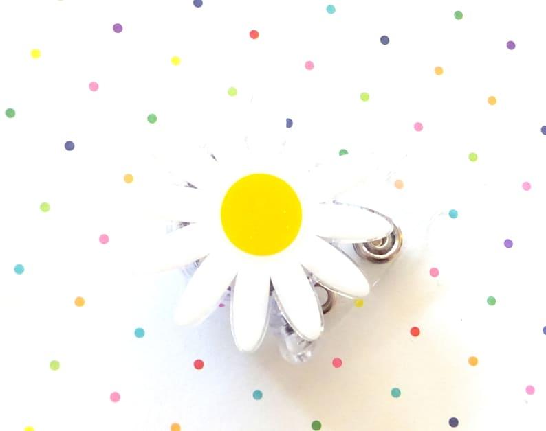 Cute ID Badge Holder Nurse Badge Reel Daisy Badge Reel Nurse Badge Reel Clip Set of 1 Glitter Acrylic Badge Reel