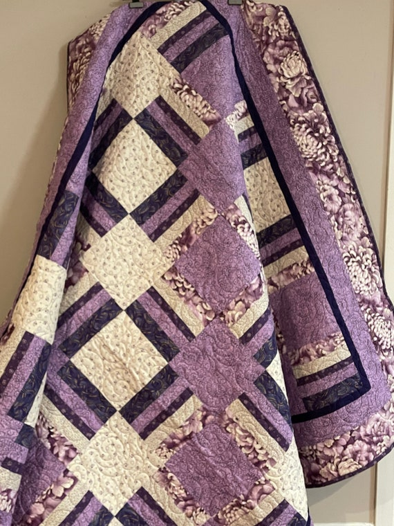 Handmade Quilt Twin size bed Patchwork Purple Lavender and lilac with Pillow Sham