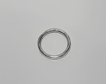 CIRCLE I Solid sterling silver hand-forged minimalist ring