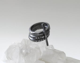 TIME TRAVELER RINGSET Solid sterling silver hand-forged oxidized 3 ring stack