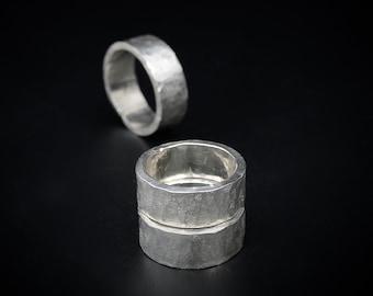 JETON argent massif forgé à la main unisexe bague au design minimaliste très texturée