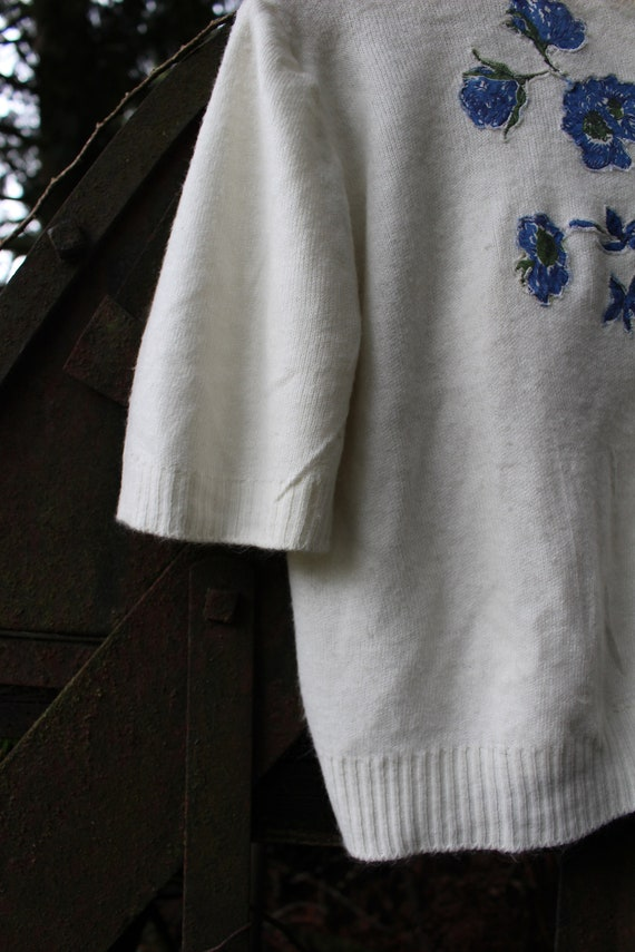 1950's Embroidered Flower Sweater Antique - image 3