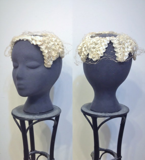 1940's Ivory Textured & Veiled Tilt Hat, Vintage P