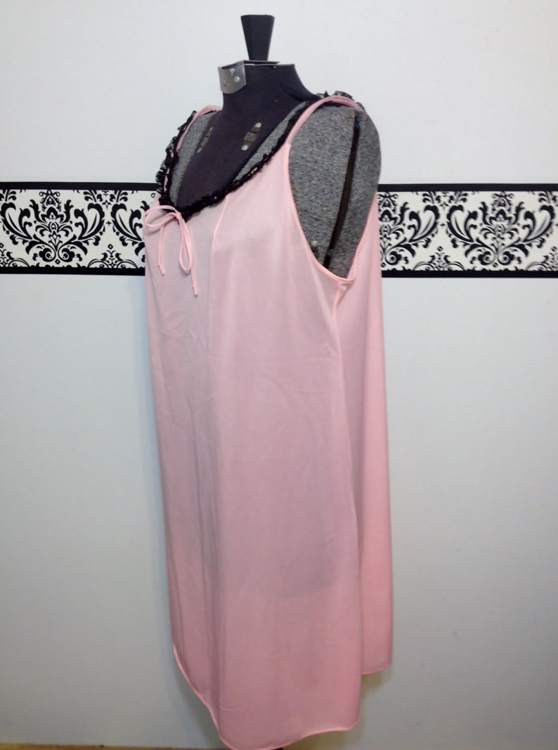 Mad Men Nightgown Vintage Pink Negligee Pin Up Lingerie 1960/'s Tangerine Pink with Black Lace Baby Doll Nightie Large  XL