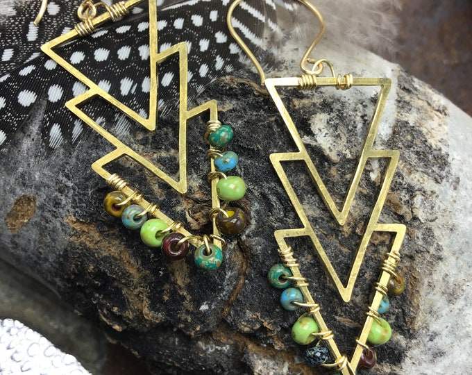 Love these, gorgeous simplistic and classy beaded Native American looking bronze earrings by Weathered Soul, urban, minimalist artisan USA