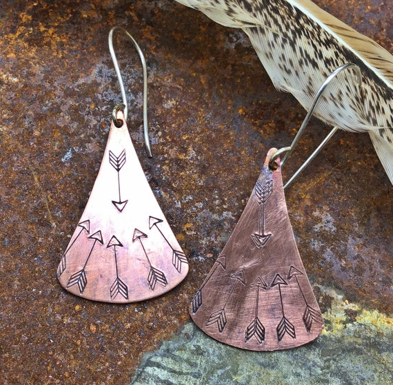 Arrow bound earrings swaying pendallum embossed with flying arrows, oxidized,sterling wire