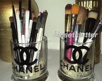 Makeup brush holder set