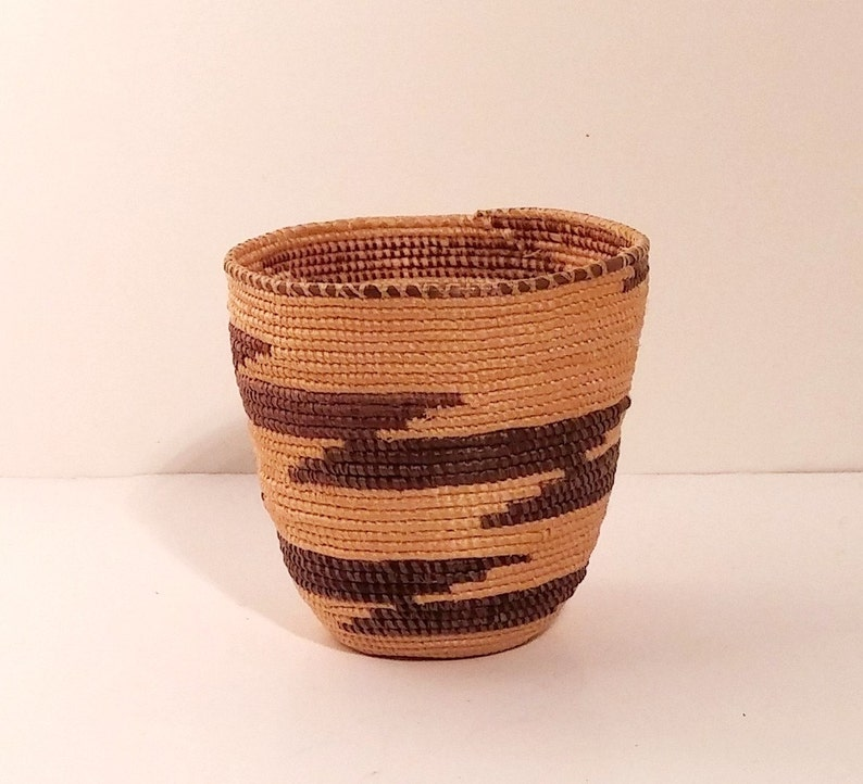 31c3051b2f0 American Native Indian Basket Hupa cupped. Miniature diagonal