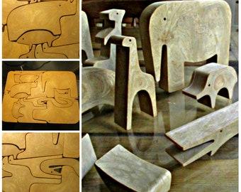 Enzo Mari Danese milano Bakelite animali puzzle,16 animal Puzzle by Enzo Mari, Enzo Mari puzzle,16 animali puzzle.