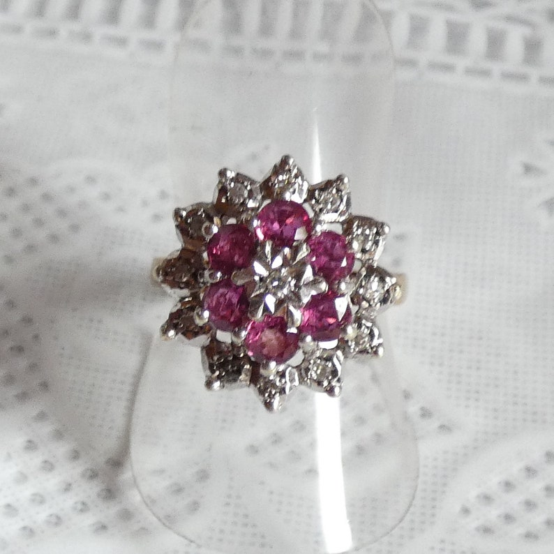 Sparkling 9ct Yellow Gold Diamond Ruby Cluster Ring