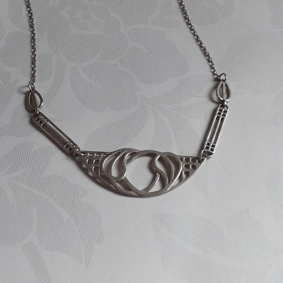 Sterling Silver Macintosh Style Pendant Necklace