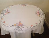 Vintage 34 quot white round table cloth Embroidered round table cloth English tea garden country cottage decor Bridal shower gift