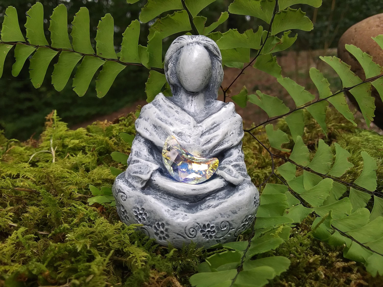 Ancient Gaia Statue goddess figurine, pagan goddess statue, gaia statue, moon goddess, wiccan  goddess, celtic goddess statue, sacred goddess, altar goddess,