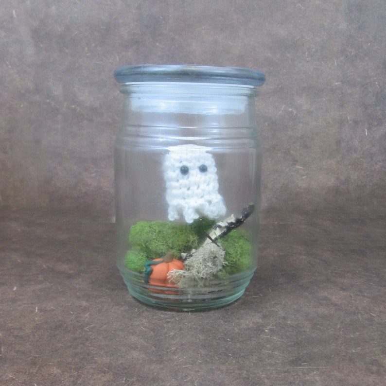 Ghostie in a Jar White Ghost/Green
