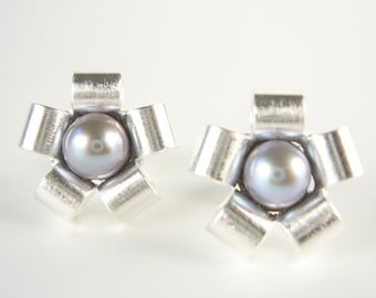 Silver stud earrings with pearl - STARS & STERNCHEN