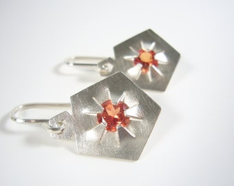 Silver earrings with synthetic padparadscha gemstones - QUINTESSENZ