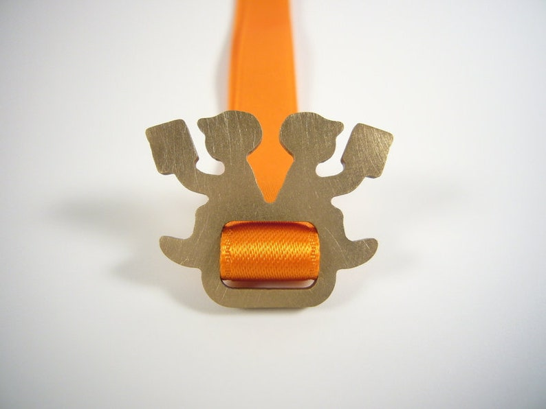 orange bookmark  LESEPAUSE image 0