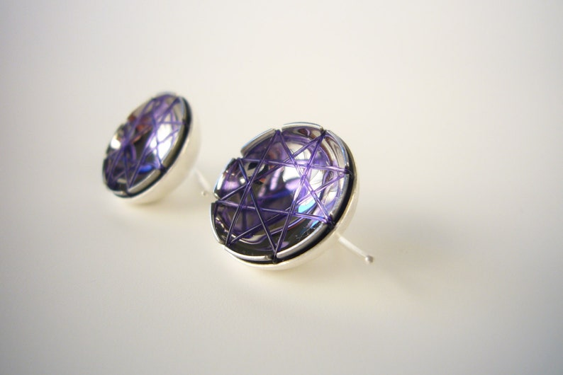 purple earpendant_suspAct image 0