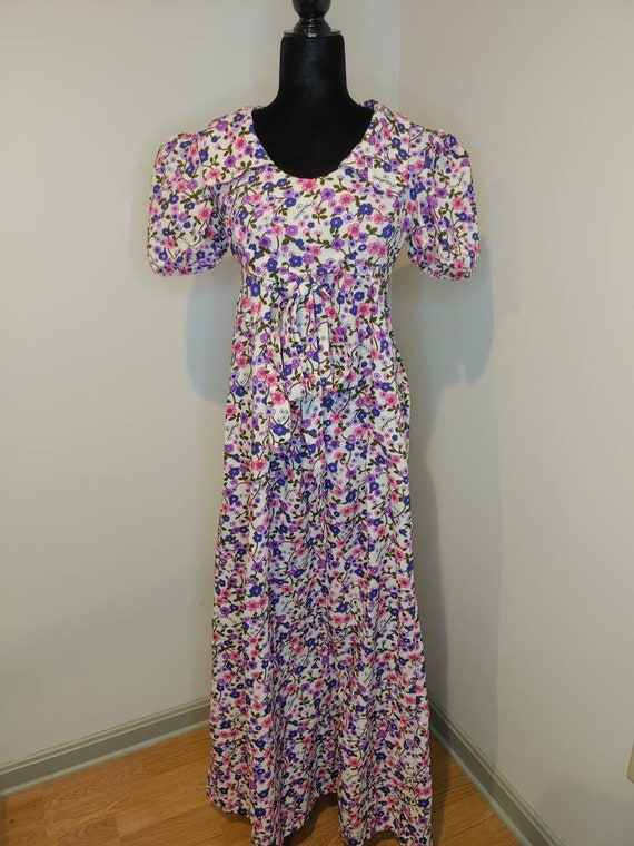 1970s floral puff sleeve maxi dress