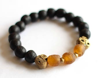 Men's African Bracelet, Recycled Glass Beads, African Jewelry, Ethnic Bracelet, Ghana Beads, Unisex Jewelry, Baoulé Brass, Black Beige Beads