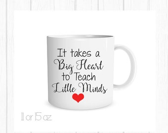 It Takes a Big Heart to Teach Little Minds Mug, Teacher Christmas Mug, Teacher Christmas Coffee Cup, Christmas Gift, Holiday Gift