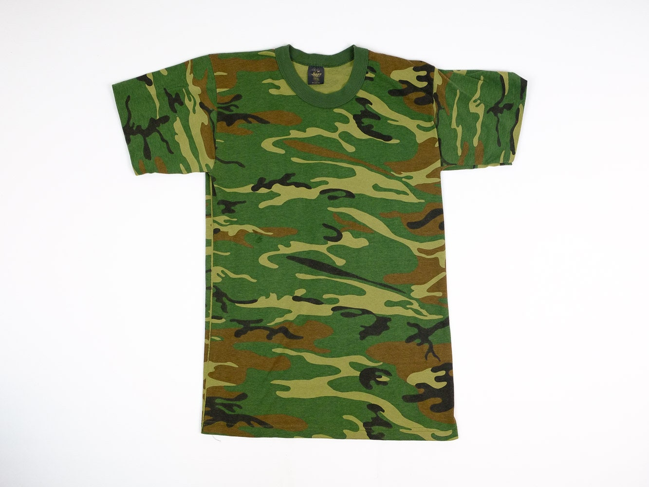 80s Camo Shirt S Vintage Camouflage T-Shirt Men s Small  36448c9454c
