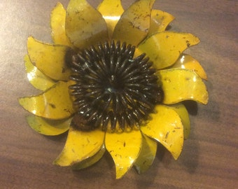 """Rustic metal sunflower - approx 5"""""""