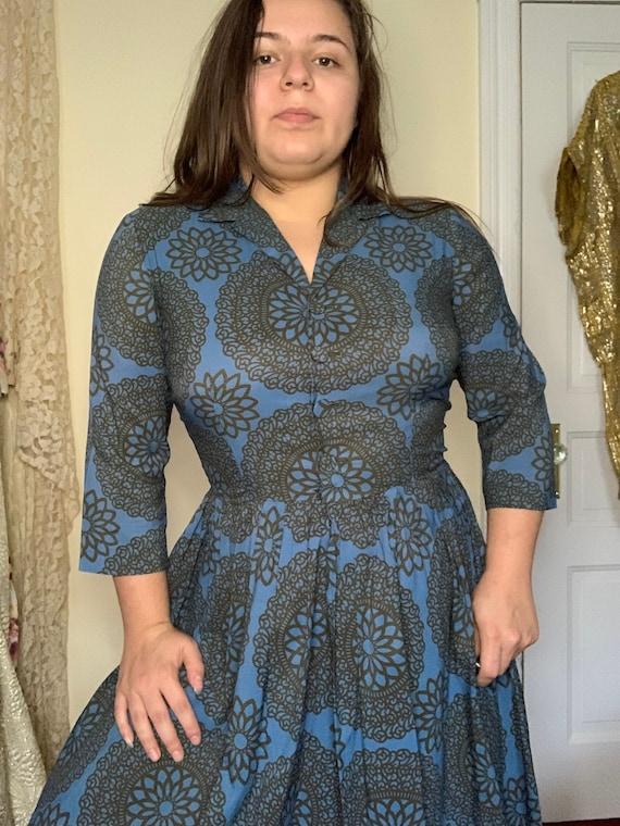 1960s L'aiglon Medallion print silk day dress