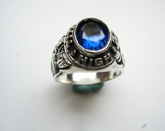 American college ring in silver
