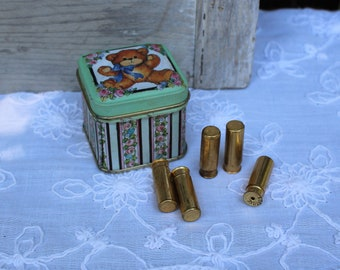 Vintage/avon/lipstick/samples/in/tiny/cute/tin. Enesco tin. Avon. Vintage lipstick. Cute set! Great for art deco/gift. 1960s.