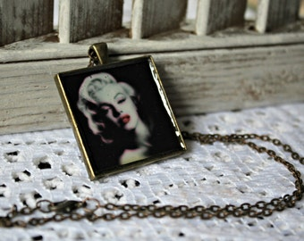 Marilyn Monroe. necklace. Handmade. Bronze bezel. Gorgeous picture. Bronze chain.