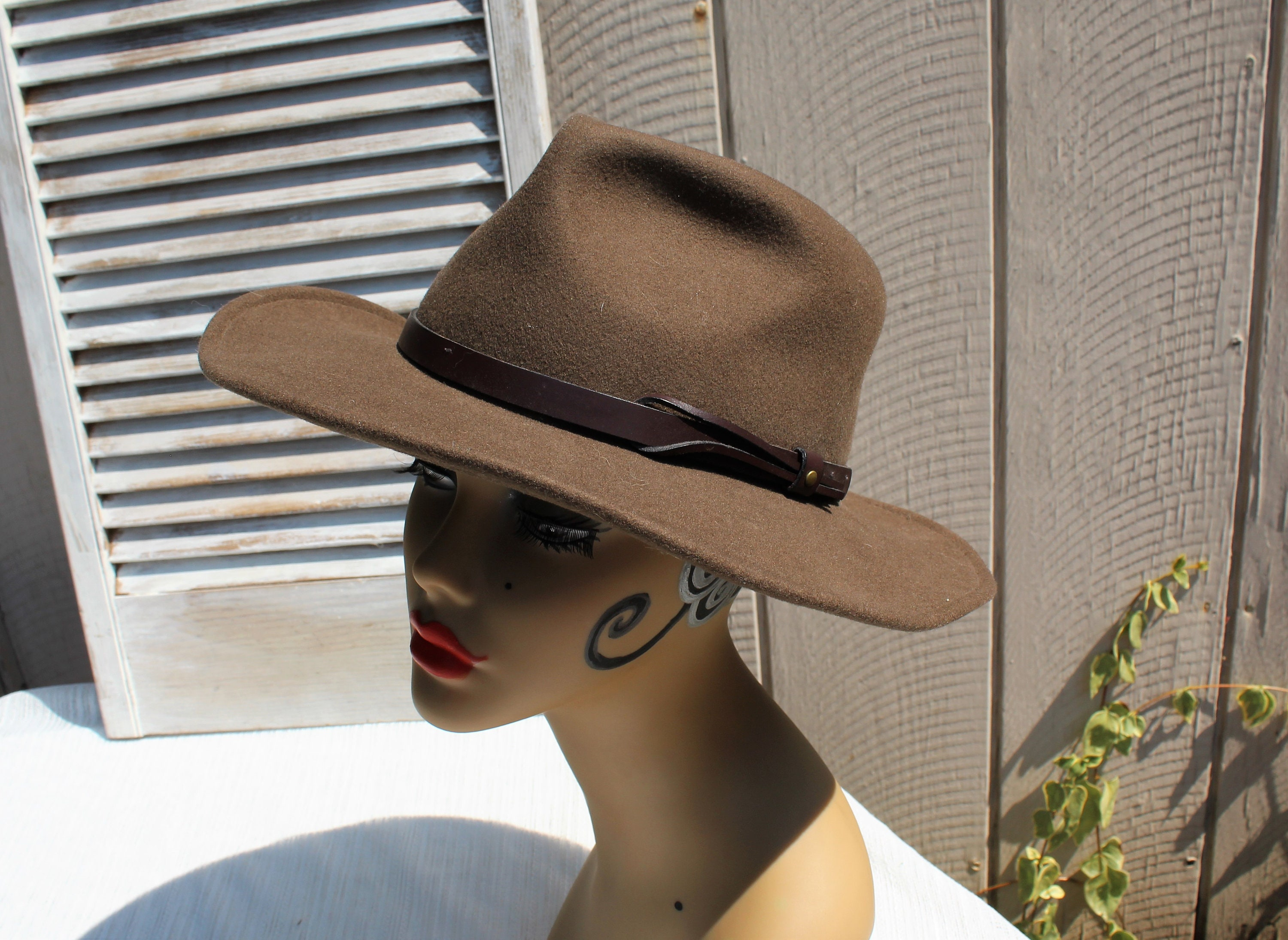 c8f18cce48d Vintage brown wool country dress up mens hat. Dorfman Pacific